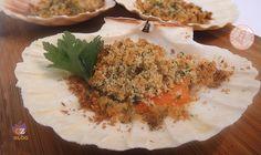 Le capesante gratinate forno sono un antipasto o un secondo di pesce facile veloce e sempre elegante.