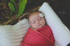 Outdoor newborn photography session, Tampa newborn photographer