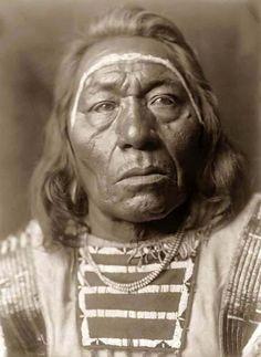 Leads Wolf - Crow - 1908