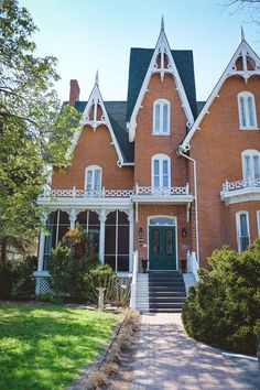 """Merrill Inn, Picton, Prince Edward County, Kanada - """"Vine and Dine"""" in der neuesten Weinregion von Ontario - Beautiful Places for Lovers Prince Edward, Ontario, Canada Travel, Toronto, Restaurants, Beautiful Places, Park, House Styles, Home"""