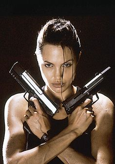 A gallery of Lara Croft: Tomb Raider publicity stills and other photos. Featuring Angelina Jolie, Daniel Craig, Simon West, Iain Glen and others. Tomb Raider Angelina Jolie, Lara Croft Angelina Jolie, Angelina Jolie Fotos, Angelina Jolie Movies, Brad Pitt, Laura Croft, Michael Bay, Timothy Olyphant, Photo Star