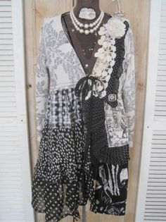 Upcycled Women's Medium Cardigan Lagenlook Black Magnolia Toile Flower w Pearl | eBay