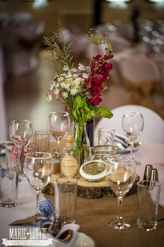 Minture of vintage and rustic looks fab. I love the 100L macro for photographing table centres!