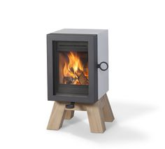 OAK Concrete for Wanders fire & stoves Small Fireplace, Stove Fireplace, Wood Fireplace, Fireplace Design, Fireplaces, Small Stove, Backyard Cottage, Tiny House Trailer, Wood Burner