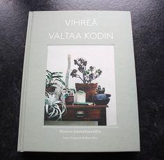 Lasituvan Miniatyyrit - Lasitupa Miniatures: Katin kirjanurkka - Vihreä valtaa kodin