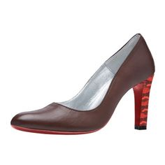 This Jacky heel is a timeless and elegant pump, whit a charming heel of 8.5 centimters. This pump has a more pointed nose and a narrow heel. This pump is available in many bright colors. Create your own Jacky pump here: http://myown-style.com/product/jacky/1028/1048/968 #Jacky #heels #heel #pumps #highquality #high #quality #manybrightcolors #many #brightcolors #colors #brown #red #snake #black #leather #suede #create #your #own #createyourown #unique #elegant #summer #spring #allseasons…