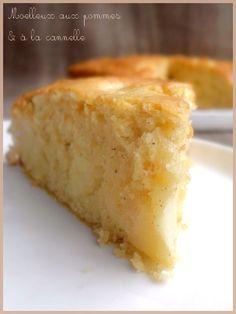 C'est la saison des bonnes pommes, alors profitons-en ! Puisqu'elles se marient bien avec la cannelle, les voilà associées dans un gâteau moelleux et aérien. Pour le dessert, le goûter ou même le petit déjeuner, il ne faut pas s'en priver ☺ . Ingrédients:...