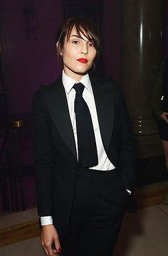 Noomi Rapace at the London premiere of The Dark Knight Rises. WERRRRRK.