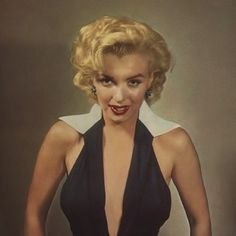 Marilyn Monroe By Frank Powolny In This Is The Dress Marilyn Wore When She Was Grand Marshall In The Miss America Parade. She Was Criticized For Wearing A Low Cut Dress. People Didn't Think It Was Appropriate For The Occasion. Pin Up, Fritz Lang, Marilyn Monroe Photos, Norma Jeane, Classic Beauty, Full House, Film, Old Hollywood, Hollywood Stars