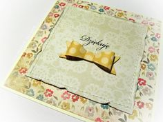 Dziękuję - kartka z kwiatowym tłem – Kartki uniwersalne - ostatnia sztuka - kolor: żółty, kość słoniowa, złoty, wymiary: 13,5 x 13,5 cm – Artillo