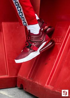 """official photos 1a75a c9d86 ow online available 270 degrees of Air, now in an Air Force fit. The  ultimate comfort in a """"Team Red"""" colorway. The sneaker"""