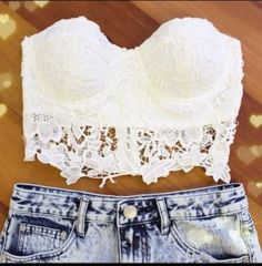 I love this WHITE CROCHET LACE TOP w/jean shorts