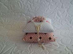 Ideias e inspirações para batizado   Macetes de Mãe Crochet Earrings, Decorating Tips, Island, Ideas, Fiestas, Xmas, Atelier