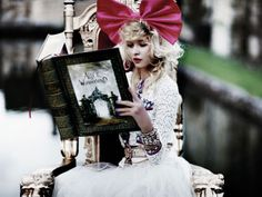 Alice in (moda, maquiagem, decoração) Wonderland
