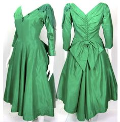 Maybe you would like to do something a little different this year with your Thanksgiving outfit? This amazing vintage 1940-1950's green taffeta party dress from Antiques.com is just the thing! Elegant, festive and oh so deliciously vintage, the perfect addition to your Thanksgiving traditions!