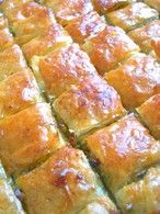 Baklava: the best recipe - - Phylo Dough Recipes, Plat Vegan, Easy Pizza Dough, Phyllo Dough, Cookie Do, Biscuits, Easy Meals, Brunch, Good Food