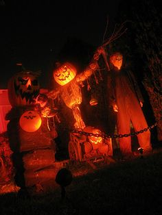 This blog has great ideas for Halloween! Love it!