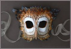Winter Owl - Leather Mask by Brenda Lyons - Falcon Moon Studio Owl Feather, Feather Mask, Owl Mask, Bird Masks, Boy Costumes, Halloween Costumes, Costume Ideas, Larp, Nocturnal Animals