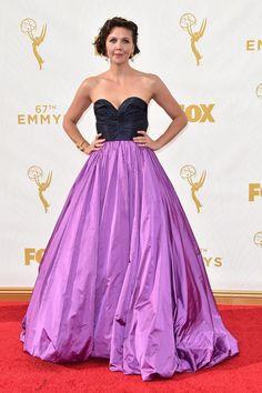 Premios Emmy 2015 - Maggie Gyllenhaal por Peter Copping para Oscar de la Renta.