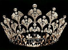 Boucheron, the Queen Mother's diamond coronet, 1901. #opalsaustralia
