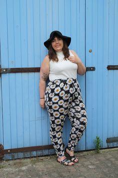 Asos Curve Daisy Print Trousers - Plus Size Style