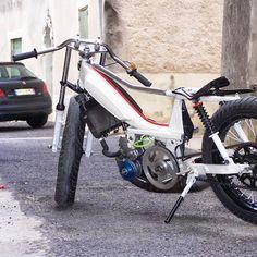 charrier didier - Google+ Moped Bike, 50cc Moped, Motorised Bike, Honda Cub, Mini Bike, Car Engine, Bicycle Design, Scooters, Bobber