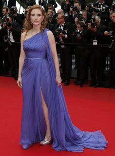 """A atriz Jessica Chastain investiu no look """"deusa grega"""" para a exibição de """"Foxcatcher"""", com um vestido Elie Saab Couture Primavera 2014 Foto: BENOIT TESSIER / REUTERS"""
