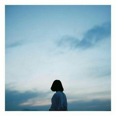Blue Aesthetic, Aesthetic Photo, Aesthetic Pictures, Photography Aesthetic, Shadow Photography, Girl Photography, Whatsapp Wallpaper, Girl Short Hair, Anime Scenery