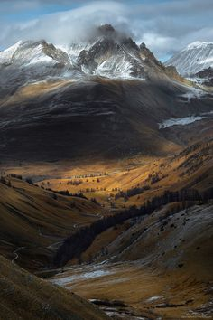 mountain landscape photography which are Amazing. Fantasy Landscape, Landscape Photos, Landscape Photography, Nature Photography, Photography Tips, Famous Photography, Aperture Photography, Sky Landscape, Travel Photography