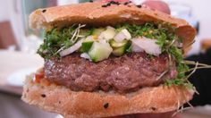 New yorker burger med ketchup og relish