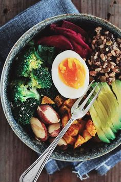 How to Eat Clean for a Whole Entire Week via @PureWow