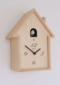 horloge carr e en bois avec coucou ettore diamantini sur. Black Bedroom Furniture Sets. Home Design Ideas