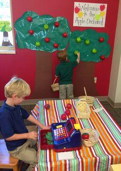 Apple Orchard/Apple Picking Dramatic Play (from Pre-K Press) Preschool Apple Theme, Fall Preschool, Preschool Themes, Preschool Activities, Preschool Apples, Preschool Classroom, Dramatic Play Themes, Dramatic Play Area, Dramatic Play Centers