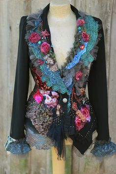 Your place to buy and sell all things handmade -Baroque dandy extravagant by FleursBoheme Art to wear, refashion, altered couture Altered Couture, Estilo Hippie, Mode Boho, Refashioning, Boho Fashion, Fashion Design, Fashion Details, Vintage Jacket, Cotton Lace