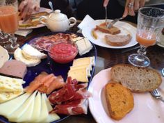 #Brunch with #Manicure! Brunches, Madrid, Manicure, Cheese, Food, Nail Bar, Nails, Meal, Nail Manicure
