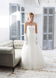 Bridal Wear | Bridal Gowns | Amanda Wyatt