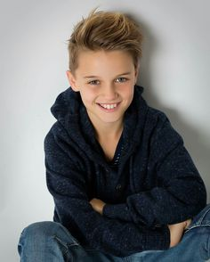 Phillip George Taylor 9 years old - Top Of The World Toddler Haircuts, Little Boy Haircuts, Boys Fall Fashion, Boy Fashion, Boy Models, Child Models, Hairstyles Haircuts, Haircuts For Men, Boys Haircut Styles