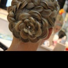 Don't think I would ever personally do this to my hair, but still think its very cute and creative.