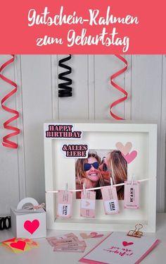 Ein gerahmtes Bild von dir und deiner Freundin mitsamt Gutscheinen und lieben Wünschen! Mal eine etwas andere Idee anstatt nur einer Geburtstagskarte, oder?