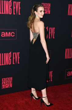 Sandra Oh, Jodie Comer, and More 'Killing Eve' Cast Members Killed It at the Season 2 Premiere Floral Gown, Floral Jumpsuit, Parks, Haute Couture Looks, The White Princess, Jodie Comer, Embellished Gown, Monochrome Fashion, Blue Cocktail Dress