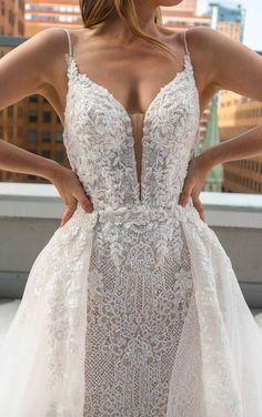 Square Wedding Dress, Elegant Wedding Dress, Best Wedding Dresses, Designer Wedding Dresses, Luxe Wedding, Wedding Blog, Wedding Ideas, Ball Dresses, Ball Gowns