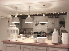 Loving the pendant lights and the colours. Cosy Kitchen, New Kitchen, Kitchen Dining, Dining Room, Kitchen Designs, Kitchen Ideas, Beautiful Things, Beautiful Homes, Kitchen Upgrades