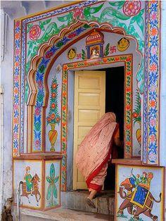 Doorway in India Cool Doors, Unique Doors, The Doors Of Perception, When One Door Closes, Amazing India, Door Entryway, Indian Art, Indian Style, Doorway