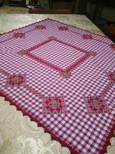 Discover thousands of images about Hardanger Embroidery, Hand Embroidery Patterns, Ribbon Embroidery, Embroidery Designs, Chicken Scratch Patterns, Chicken Scratch Embroidery, Handmade Crafts, Diy And Crafts, Bordado Tipo Chicken Scratch
