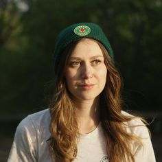 This cozy, lightweight forest green toque is perfect for winter weather or a cool spring day. It features a high quality green Flannel Foxes patch. Cute Tomboy Style, Green Flannel, Tomboy Fashion, Spring Day, Foxes, Beanie, Menswear, Cozy, Weather