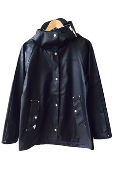 Didriksons Ester Raincoat Black | Milk & Thistle