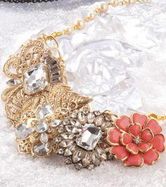 Vintage pendant bib #necklace :)