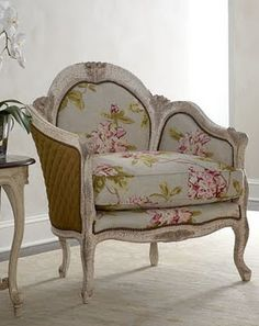 Oh So Pretty Fl Chair Traditional Chairs Pouf Living Room