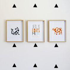 Geometric Animal Wall Art: Tutorial on how to make your own funky animal wall art.