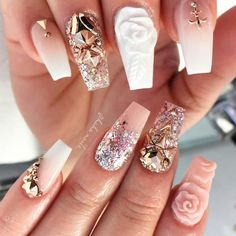There are three kinds of fake nails which all come from the family of plastics. Acrylic nails are a liquid and powder mix. They are mixed in front of you and then they are brushed onto your nails and shaped. These nails are air dried. Fabulous Nails, Gorgeous Nails, Acrylic Nails 2017, Nail Art Arabesque, Nail Design Gold, Nails Design, Dope Nails, 3d Nails, Coffin Nails